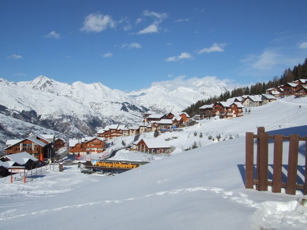 The 5 Of The Best Places To Ski In France